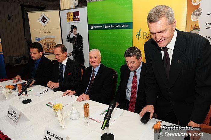 Świdnica: Debata pięciu kandydatów na stołek prezydenta