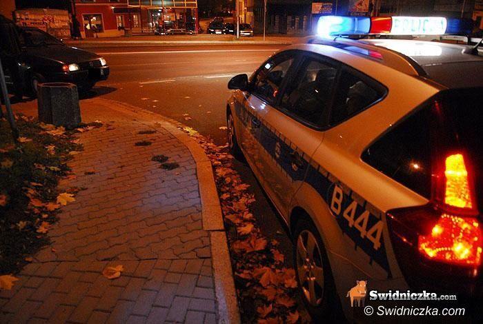 Świdnica: Kobieta rzuciła się pod auto w centrum miasta