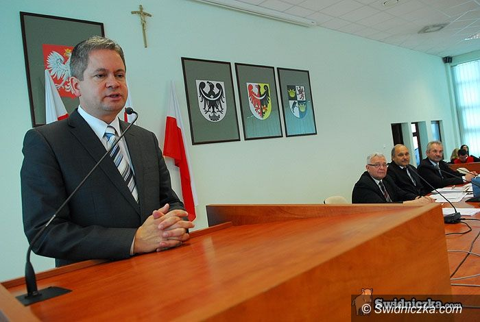 Świdnica: Powiatowi rajcy pożegnali się (na miesiąc?)