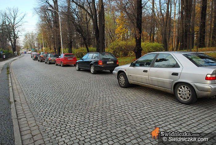 Świdnica: Kierowcy rwą włosy z głów, ul. Ofiar Oświęcimskich jednokierunkowa