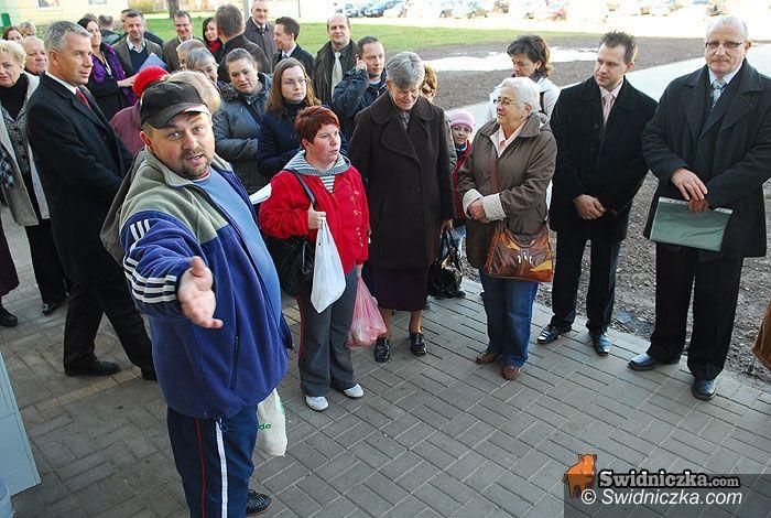 Świdnica: Nowi najemcy oglądali swoje przyszłe mieszkania, starzy najemcy awanturowali się