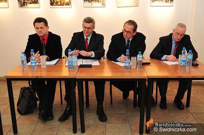 Świdnica: Opozycyjna debata kandydatów na prezydenta Świdnicy