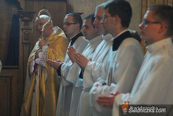 Świdnica: Współpracownik papieża odprawi mszę w katedrze świdnickiej