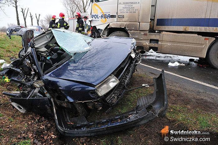Komorów/Mokrzeszów: Wypadek koło Mokrzeszowa – dwie osoby w stanie ciężkim