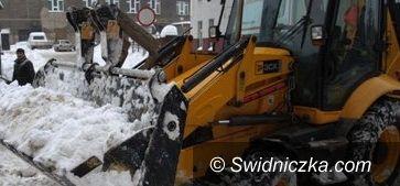 Świebodzice: Świebodziccy drogowcy twierdzą, że zima ich nie zaskoczyła, ale kolizja była