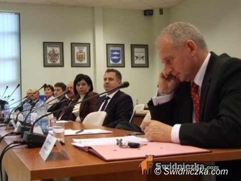 powiat świdnicki: Dziś wybiorą się władze powiatu