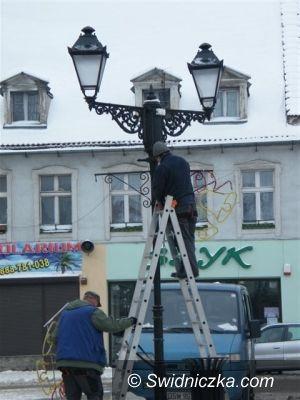 powiat świdnicki: Miasta stroją się na święta