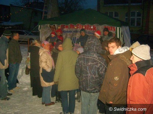 Żarów: Żarowskie Miasteczko Świętego Mikołaja – był nawet Świąteczny Banan