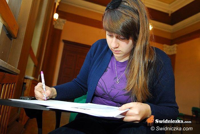 Świdnica: 228 listów w sprawie łamania praw człowieka