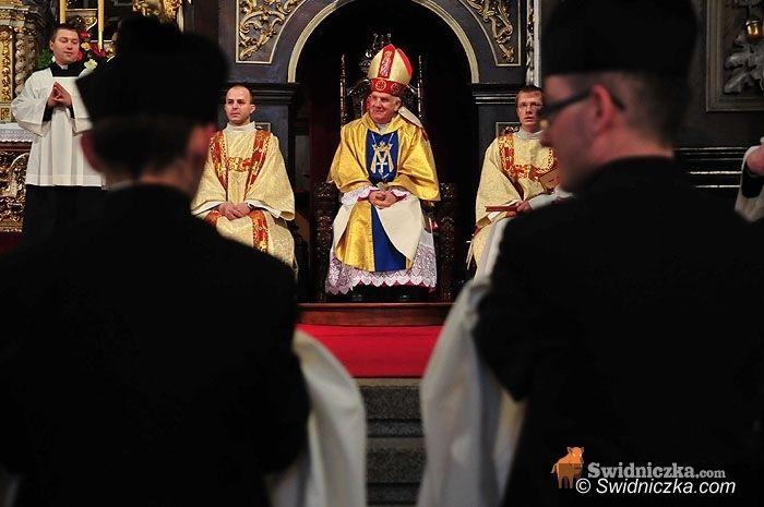 diecezja świdnicka: Biskup pozwala się bawić w sylwestra