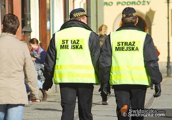 Świdnica: Manifestacja zdesperowanego męża – interweniowała straż miejska