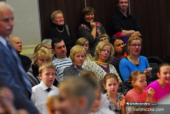 Świdnica: Dzieci i młodzież z MDK dla swoich babć i dziadków