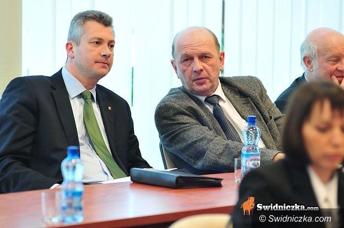 powiat świdnicki: Radni i wicestarosta piszą w sprawie pogotowia
