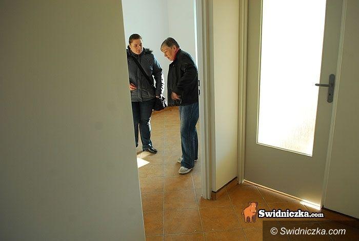 Świdnica: Taniej za brak łazienki, drożej za posiadanie balkonu