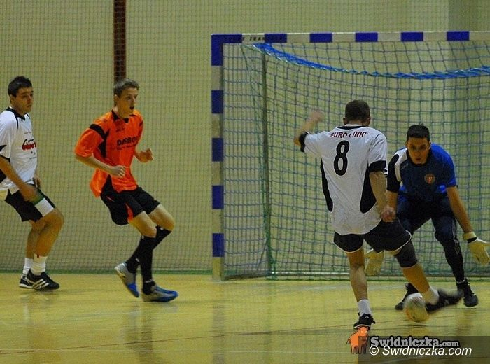 Żarów: Zmiana lidera w Żarowskiej Lidze Futsalu