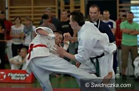 Opole: Dwa medale z najcenniejszego kruszcu dla świdnickich karateków