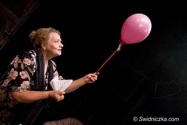 Świdnica: Karwowska, Dulska, a teraz Walentyna – Anna Seniuk w świdnickim teatrze