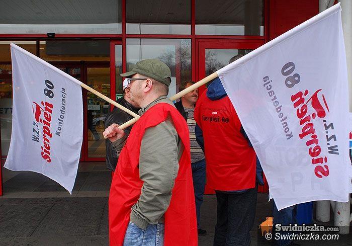 Żarów: Protesty przeciwko łamaniu praw pracowniczych w japońskich firmach