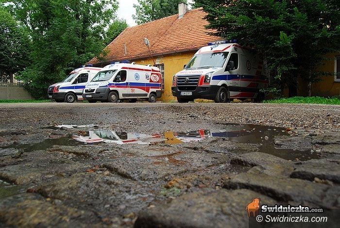 powiat świdnicki: Meldunek z pogotowia: weekend spokojny, ale 510 igieł w tygodniu poszło