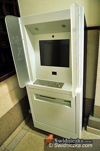 Świdnica: Sądomat zamontowany, czeka na oprogramowanie