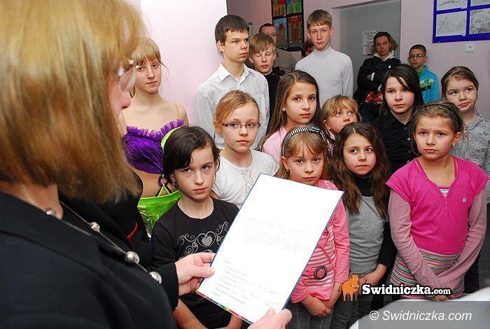 Świdnica: Autentyczne Miejsce Talentów, czyli MDK odsłania tablicę