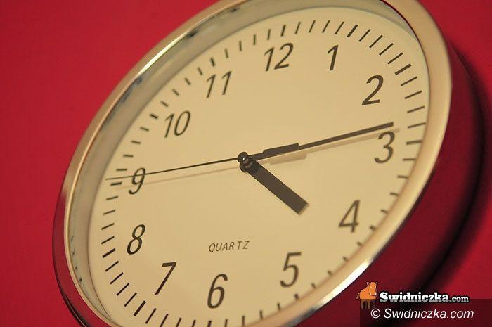 kraj: Oszczędzamy, więc zegarki przestawiamy