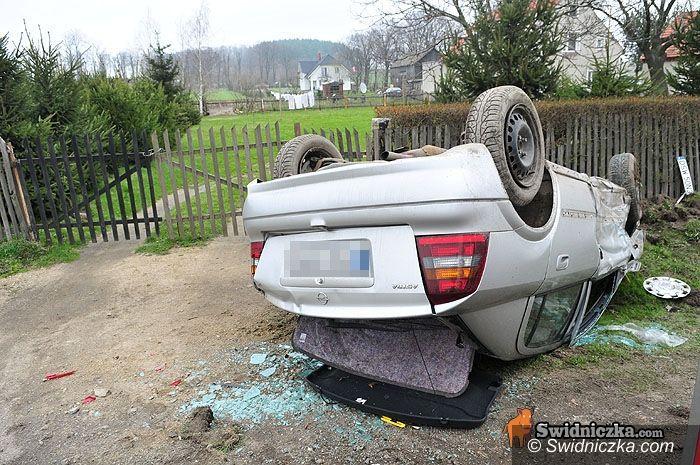 Grodziszcze: Astra na dachu – groźny wypadek w Grodziszczu