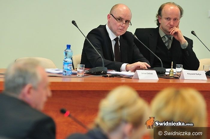 Świdnica: Powiatowi rajcy znów się spotkają – będą emitować obligacje?