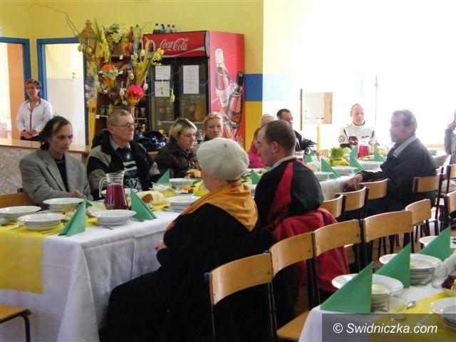 Świebodzice: Świebodzickie śniadanie wielkanocne w jadłodajni