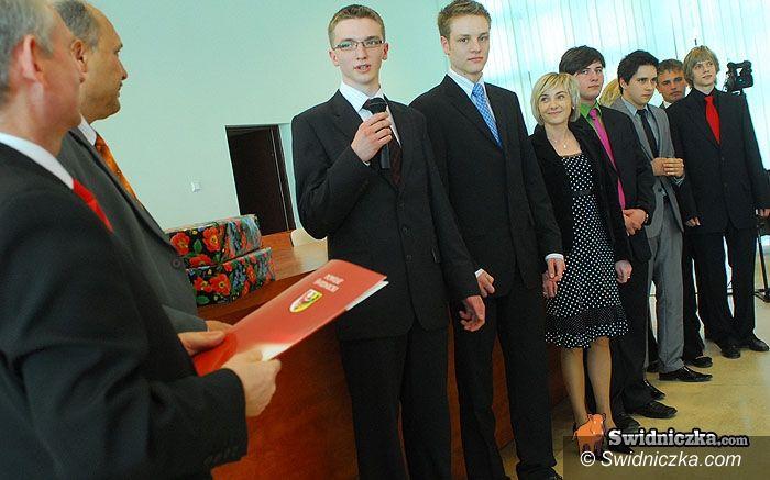 Powiat Świdnicki: Kto zostanie bezrobotnym? A kto nie?