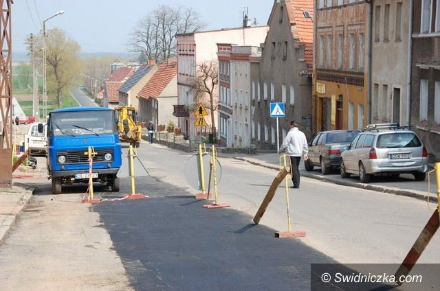 Dobromierz: Zamknięta droga w Dobromierzu