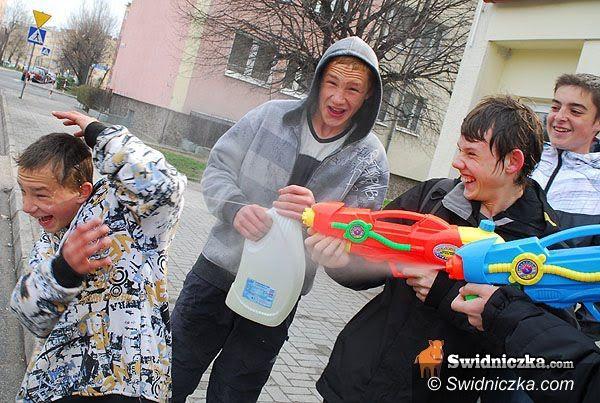 powiat świdnicki: Nie lej! – policja prosi