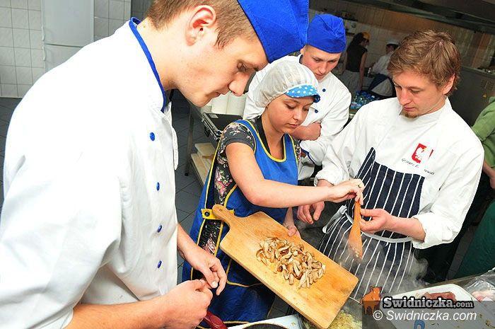 Świdnica: Oni naprawdę potrafią gotować – wieprzowina na wiele sposobów w świdnickiej hotelarce