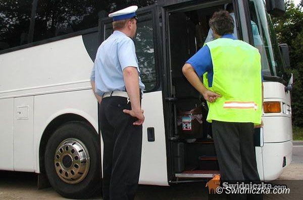 Świdnica: Policja sprawdza wycieczkowe autokary