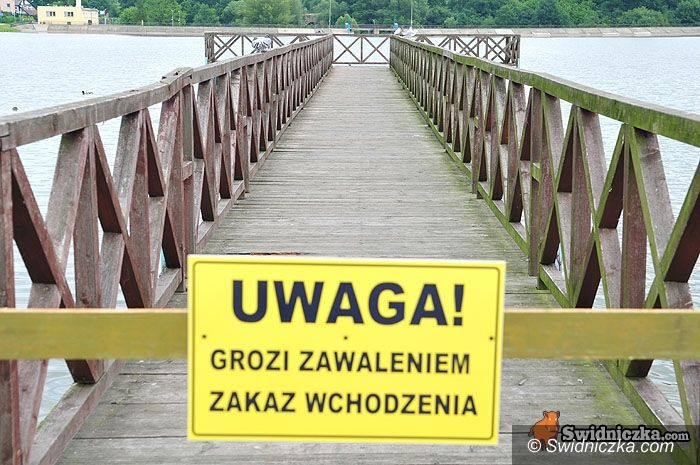 Świdnica: Uwaga grozi zawaleniem! – na spacer nie po pomoście
