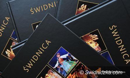 Świdnica: Konkurs rozstrzygnięty – Albumy rozdane