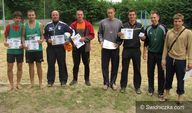 Świdnica: Zacięta rywalizacja w świdnickim turnieju plażówki