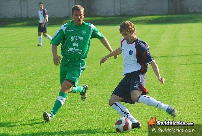 III-liga piłkarska: Promień nokautuje, Polonia pauzuje