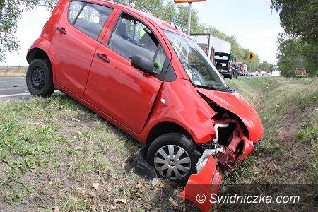 Świdnica/Pszenno: Dwie kobiety i dziecko trafiły do szpitala