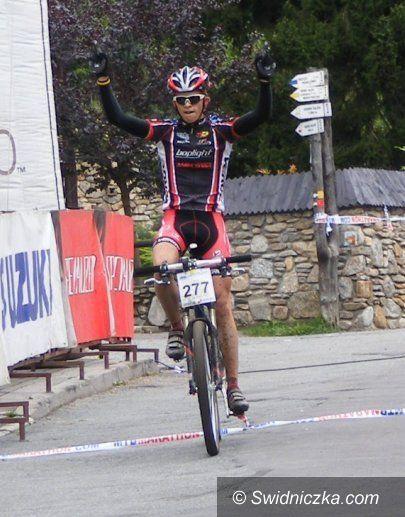 Międzygórze: Wygrał walkę z bólem, kolejny świetny start Mateusza Wiśniewskiego