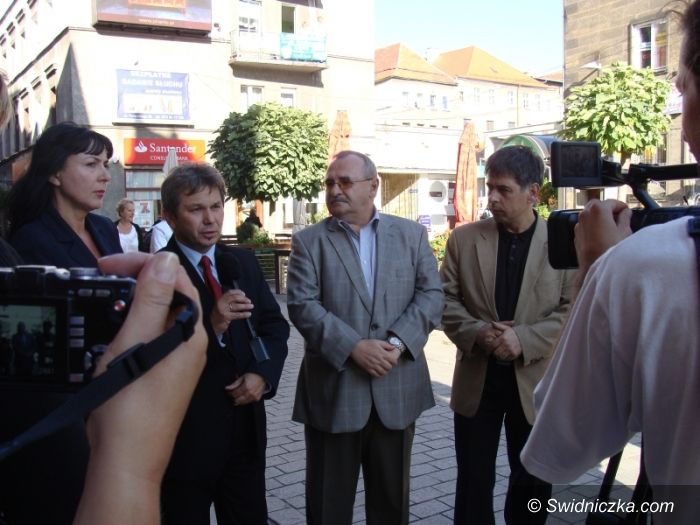 Świdnica: Na finiszu brudna kampania