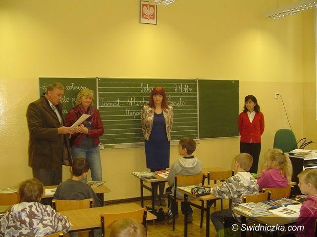 Świdnica: Uczniowie SP nr 315 leczą Polaków