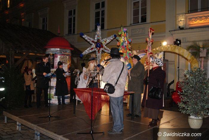 """Świdnica: """" Król królów"""" przedstawienie na świdnickim rynku zgromadziło tłumy[ FOTO]"""