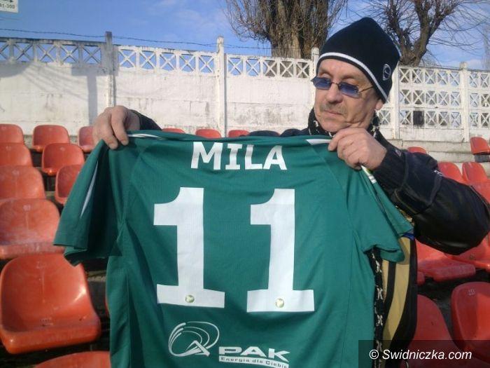 Świdnica: Szlachetny gest Arka Piecha, piłkarze pomagają potrzebującym