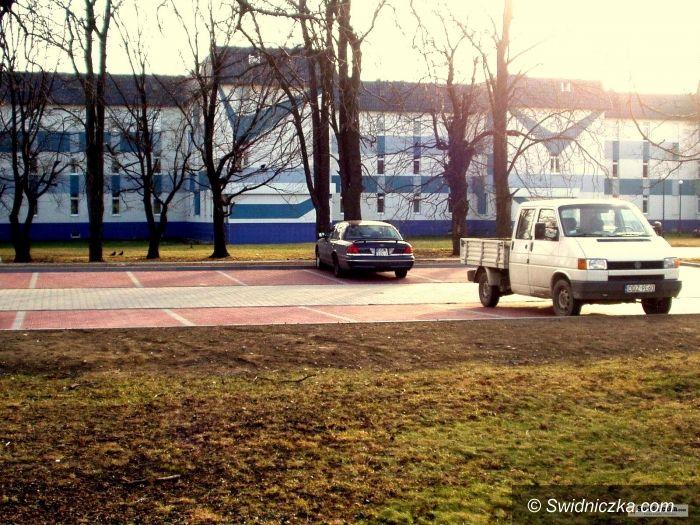 Świdnica: Szpital Latawiec ma nowy , większy parking