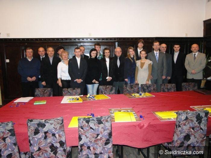 Jaworzyna Śląska: Pierwsza sesja Młodzieżowej Rady Miejskiej w Jaworzynie Śląskiej