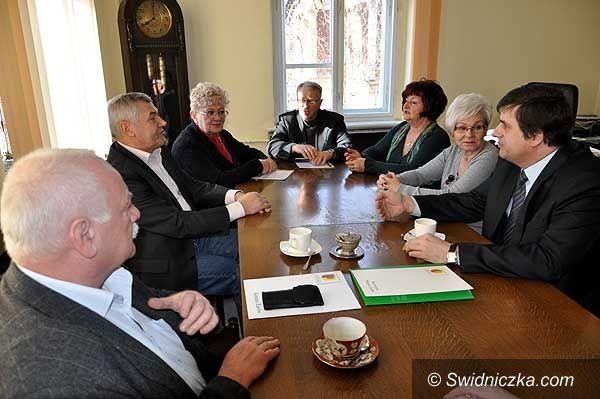 Żarów: Senator wspomoże Żarów