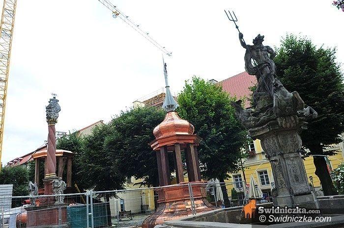 Świdnica: Montaż hełmów na wieży w poniedziałek – uwaga na utrudnienia