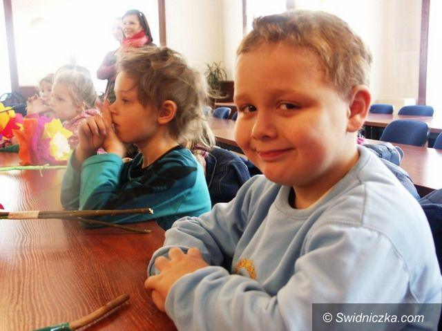 Strzegom: Strzegomskie dzieci powitały Panią Wiosnę