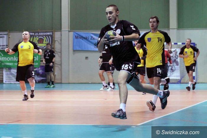 I-liga szczypiornistów: ŚKPR zaaplikował rywalom 37 bramek, pewna wygrana z Olimpią
